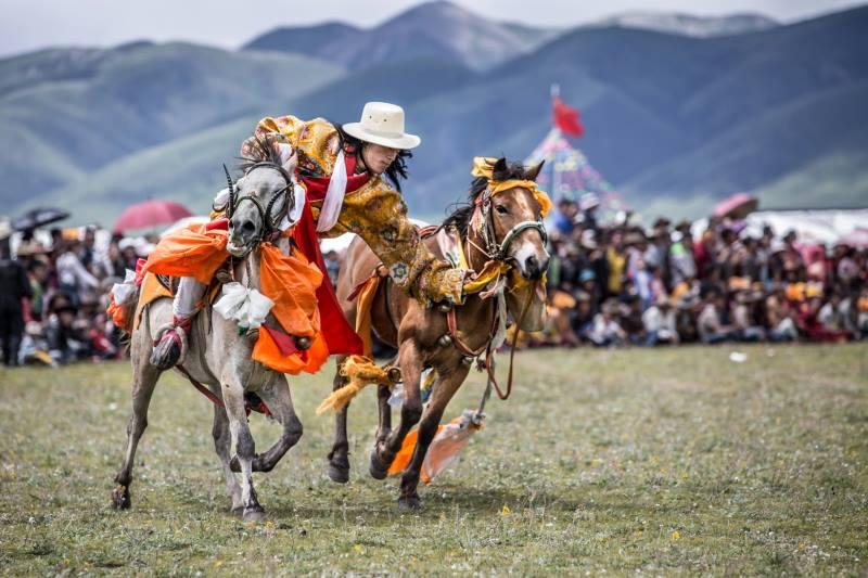 山下裕写真展 チベット、ハレとケ