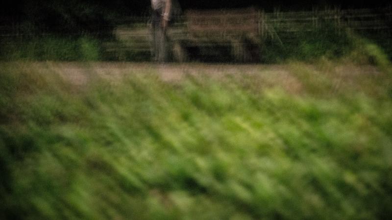 丑三つ時、黒い森で追う。時々追われる