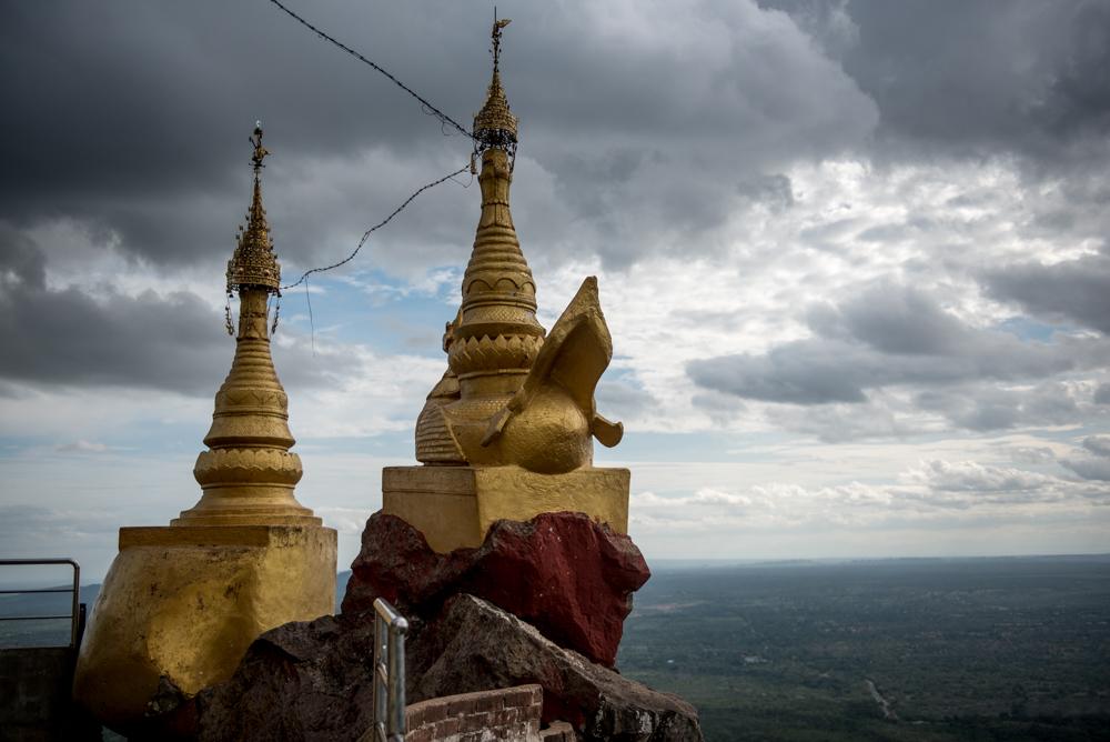 ホーリーマウンテン、ポッパ山。ミャンマー日記04