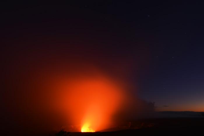 キラウエア 彼女は噴火