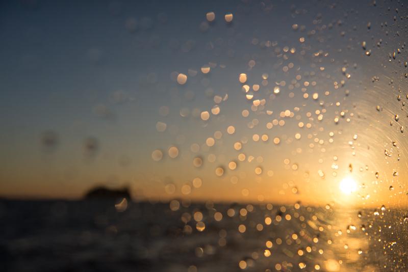 さざ波と、日が沈む時間。池島