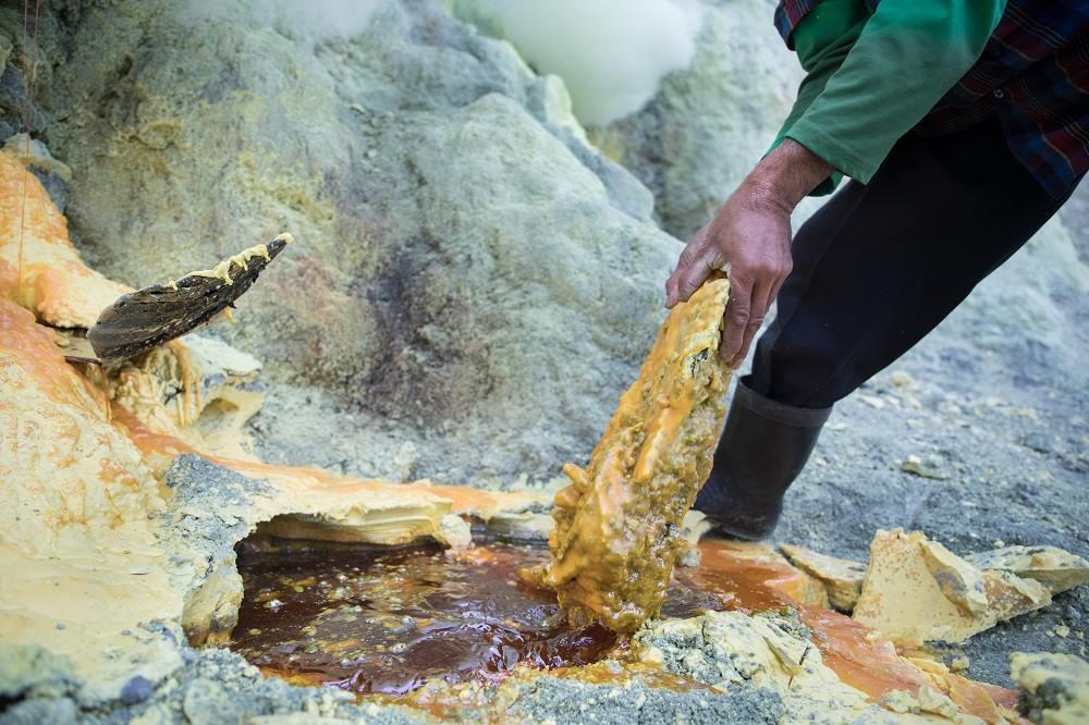 山下裕、写真展「Sulfur-化粧品原料-」